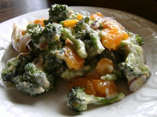 salada de tangerina de brócolis