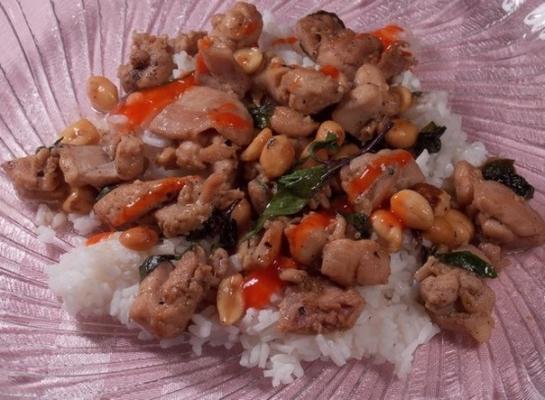 frango com manjericão quente (cha kdao sach maon)