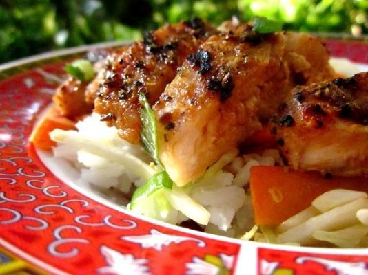 tigela de arroz de frango teriyaki para um