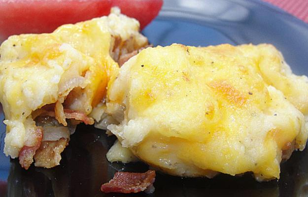 bacon, alho-poró e torta de batata