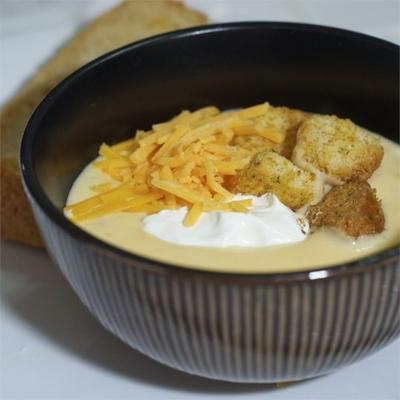 Sopa de queijo com cerveja