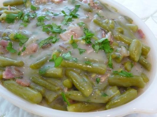 feijão verde do país do oma com bacon e cebola (gruene bohnen)