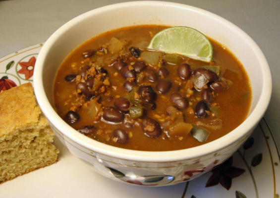 sopa de feijão preto de chouriço