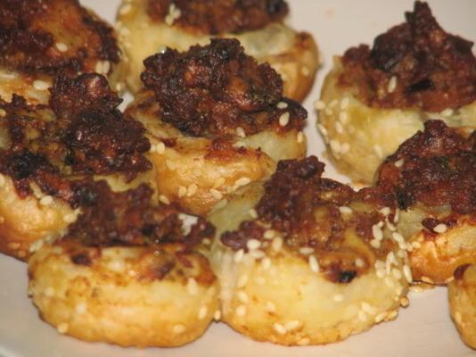 mordidas de bacon e cogumelos