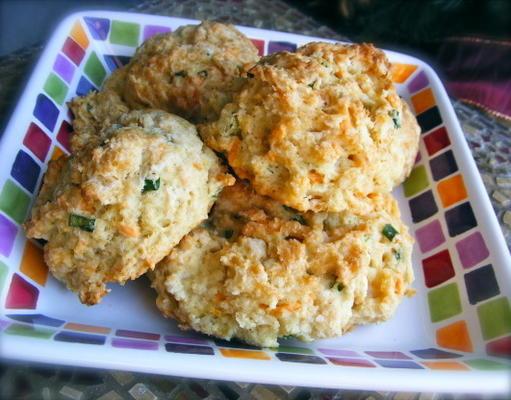 cebolinha e cheddar drop biscoitos - vegan