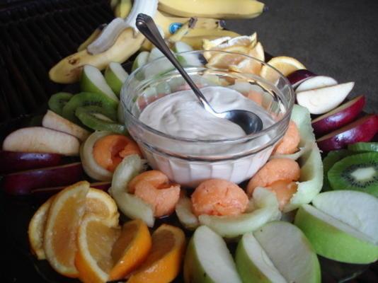 fruta do café da manhã com creme de gengibre