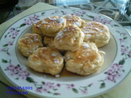kakes gordos (bolas de massa frita)