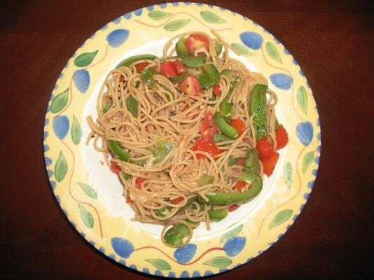 espaguete de tomate e pimentão