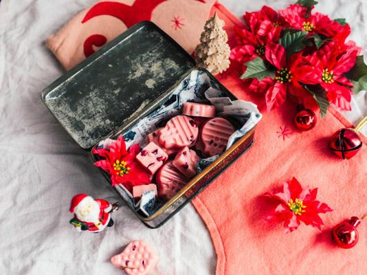 doces de romã rosa chocolate