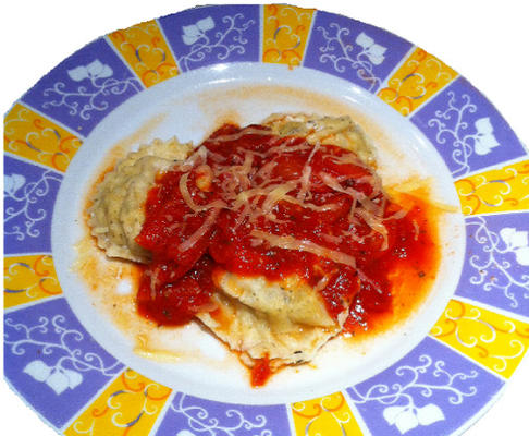 ravioli de espinafre e queijo