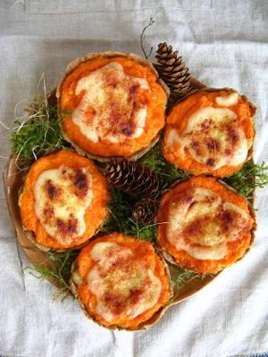 sklandrausis: torta de legumes letão