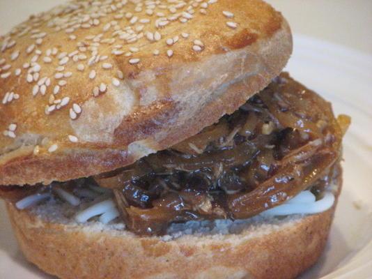 pãezinhos de hambúrguer semeado (da farinha do rei arthur)