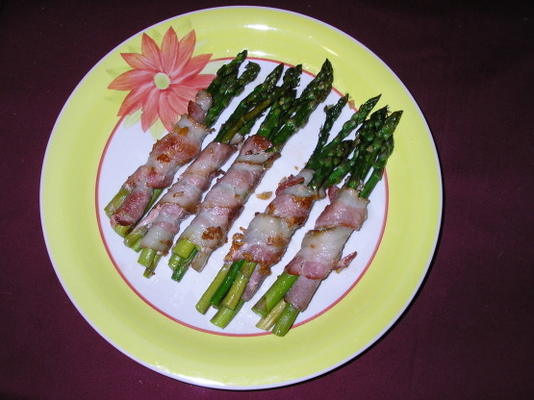 espargos salteados com bacon