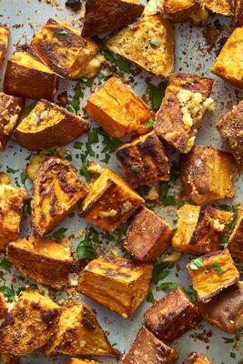 Batatas doces parmesão com alho