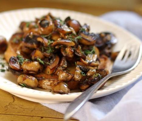 cogumelos na torrada