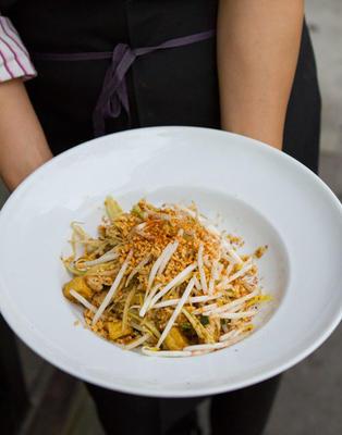 papaia verde pad tailandês