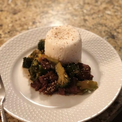 Carne de brócolis fogão lento