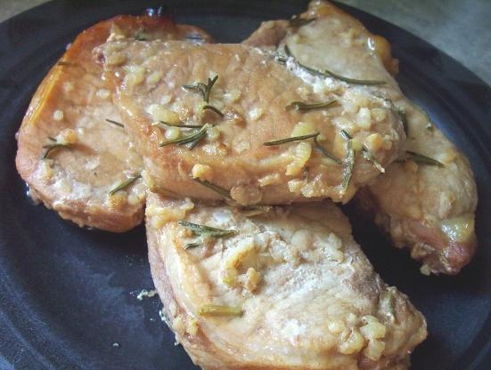 Costeletas de porco abacaxi-alho