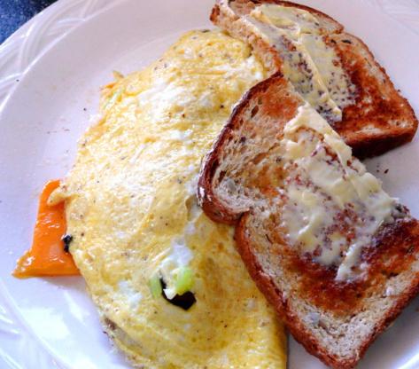 Omelete de peru e queijo